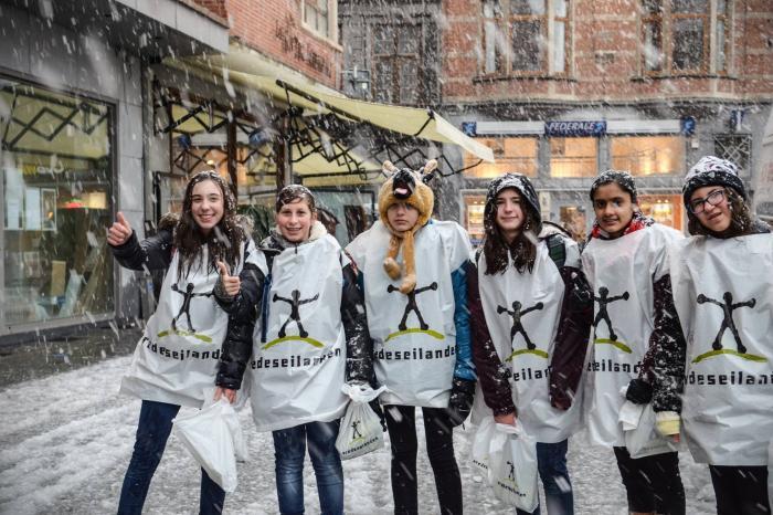 Sneeuw en regen wegen op campagneweekend Vredeseilanden