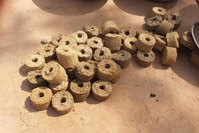 Etuvage du riz à gaya au Niger : utilisation des briquettes de balles de riz comme combustible