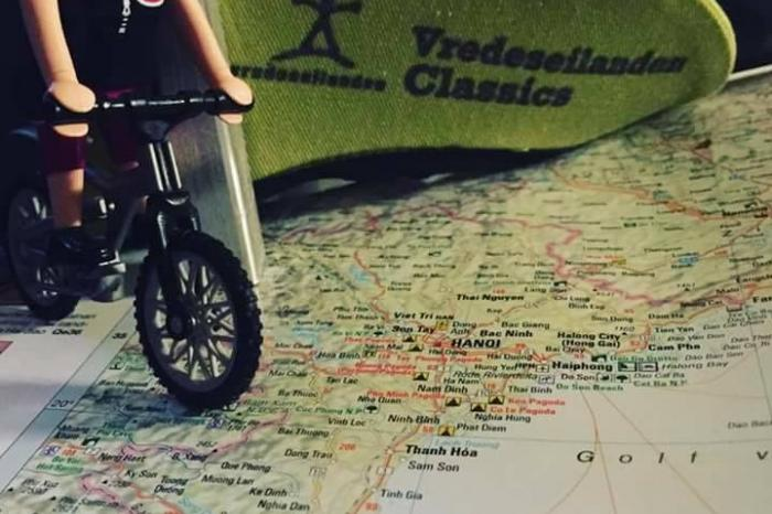 Các tình nguyện viên Bỉ tham gia đạp xe để gây quỹ hỗ trợ hoạt động của VECO Việt Nam