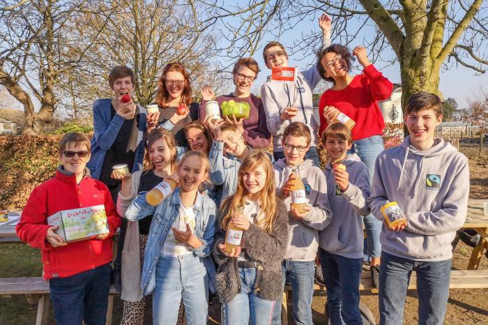 Leerlingen oogsten inspiratie voor hun school op de boerderij