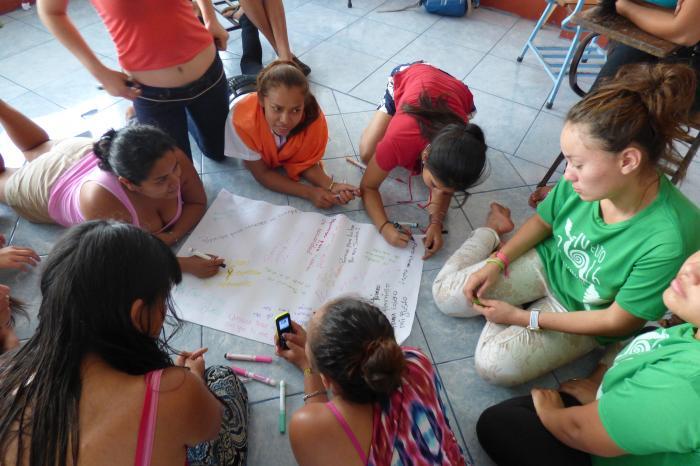 Consultoría: Facilitación de Talleres sobre Género y Sexualidad, Autoestima y Liderazgo Juvenil, Comunicación Intergeneracional
