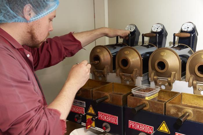 Tweede levering van Congolese kwaliteitskoffie vindt de weg naar alle winkels van Colruyt Group