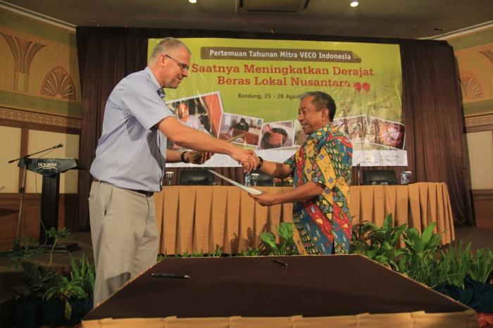 Kerja Sama Bank NTT dan VECO Indonesia