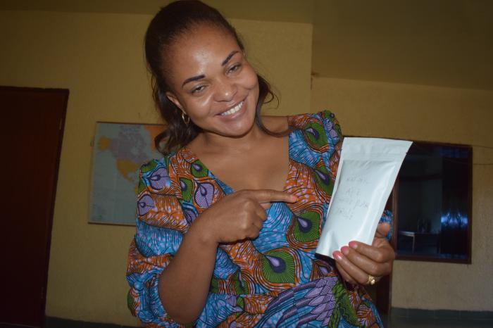 Carole, la secrétaire administrative et financière de Rikolto, est caféicultrice