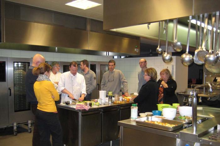 Universiteit Antwerpen, KHLeuven en HoGent gaan voor duurzaamheid in hun keukens