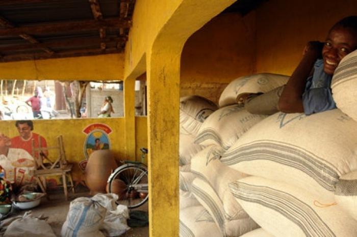 Congolezen helpen elkaar: een thesisonderzoek rond lokaal aankopen van voedsel