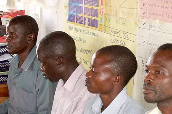 Ugandese boeren willen hun waren op de markt