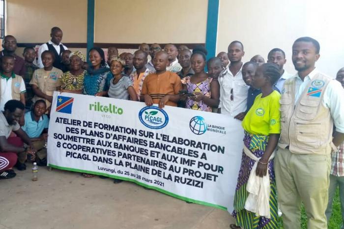 Sud-Kivu : les dirigeants des coopératives rizicoles à l'école du business plan