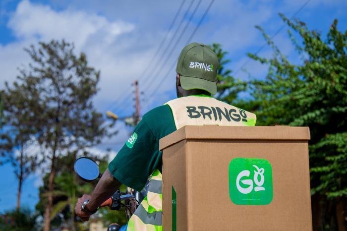 Door Covid-19 vast in je kot in Kampala? Voedselleveringen aan huis brengen redding.
