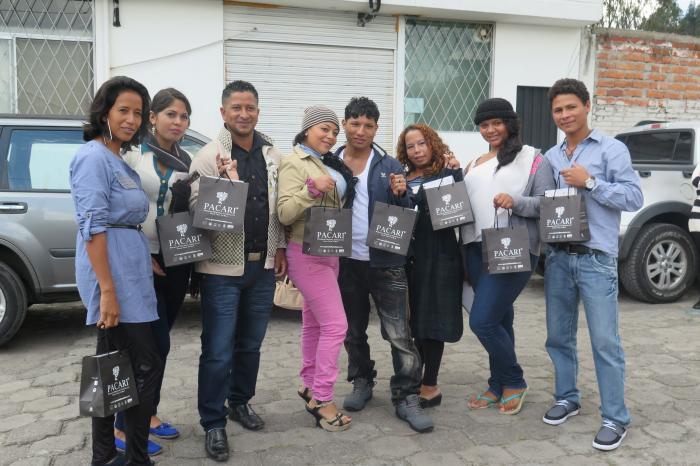 Jóvenes cacaoteros Esmeraldeños visitan la fábrica de chocolate PACARI en Quito