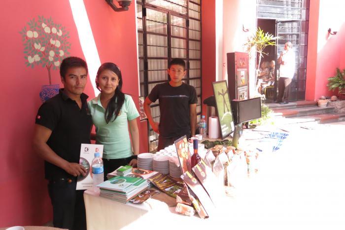 Jóvenes caficultores promocionan café en embajada de Bélgica