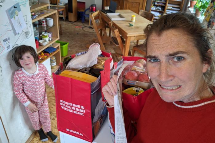 [Kassaticket Confessions] Een blik in de winkelkar van collega Hannelore
