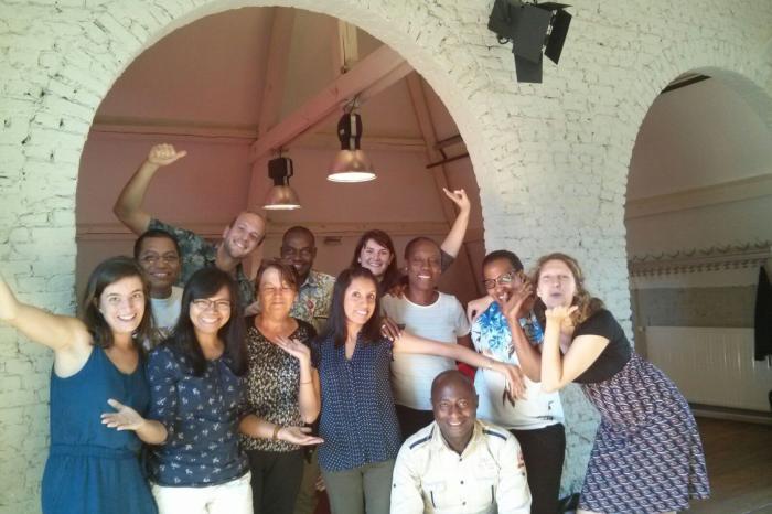 Vredeseilanden in beweging: van een Belgische NGO naar een internationale netwerkorganisatie