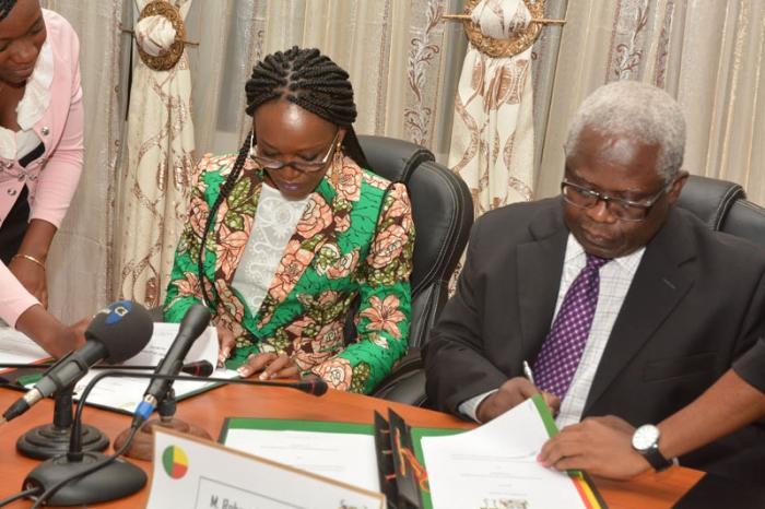Cérémonie Officielle de Signature d'Accord de Siège au Benin