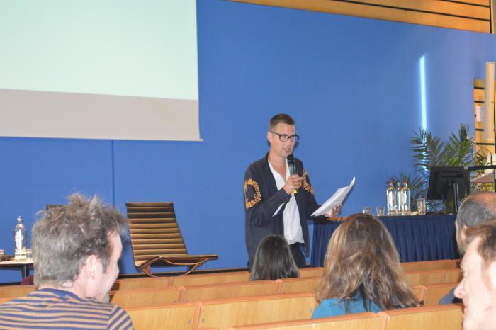 Maarten Inghels schrijft een Brief aan de Toekomst