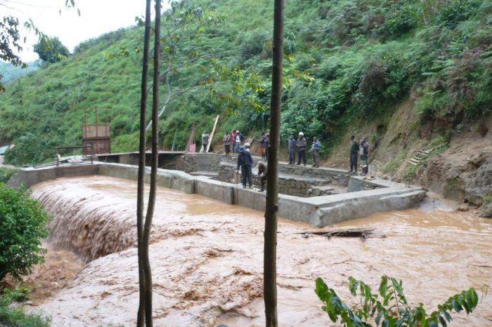 Waterkrachtcentrale loopt vertraging op, maar doorstaat noodweer