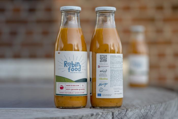 Robin Food transforms surplus vegetables into soups for social grocery stores and food aid