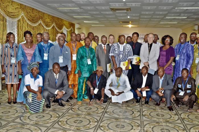 Organisations paysannes (OP) comme acteurs clefs dans une bonne gouvernance des filières rizicoles en Afrique de l'Ouest - projet terminé