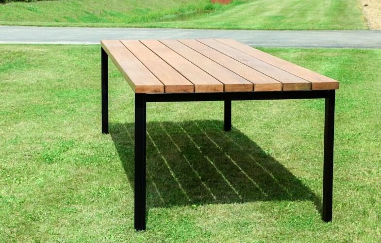 Mooie tafel voor buiten