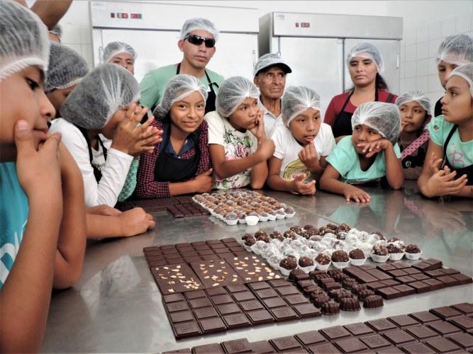 Pangoa Taller chocolateria jovenes 2