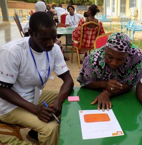 Les participants au premier hackathon mettant en pratique les connaissances acquises